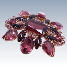 Juliana DeLizza and Elster Amethyst Glass Brooch Pin c1960