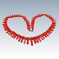 Romantic Period Victorian Graduated Salmon Coral Picket Berries Necklace 14K Gold c1840s