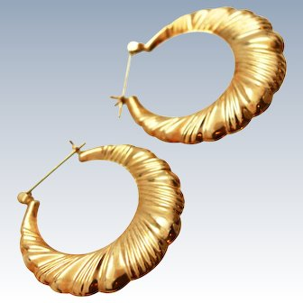 X Large 10K Gold Puffy Scalloped Hoop Earrings c1980s