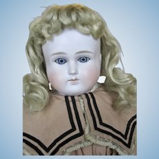 "Lovely 25"" Closed Mouth German ABG Alt, Beck and Gottschalk Antique Doll"
