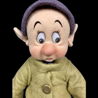 "MIB R John Wright ""Frightened Dopey"" from Disney Snow White 1992"