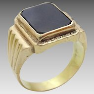 Vintage Man's 14 k Gold and Onyx Ring