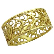 Vintage Handmade 14 karat Gold Filigree Ring