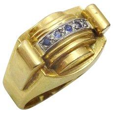 Vintage 1940's 18 karat gold ring set with Sapphires