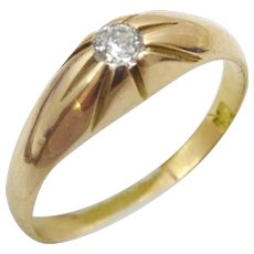 Classical Vintage 18 karat  Gold and Diamond Engagement Ring