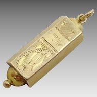 Vintage 14 karat gold Mezuah pendant