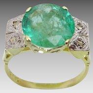 Vintage 18 karat Gold , Diamond and Emerald Ring