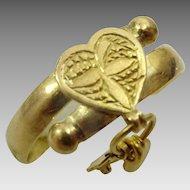 Antique Unique 20 karat Gold Amulet Ring