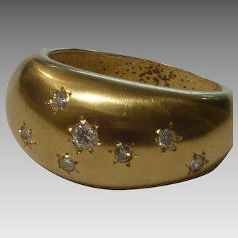 Modern Handmade 18 karat Gold Ring set with Diamonds