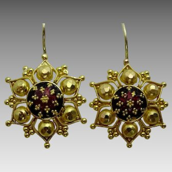 Handmade Vintage 22 karat Gold Earring from North India