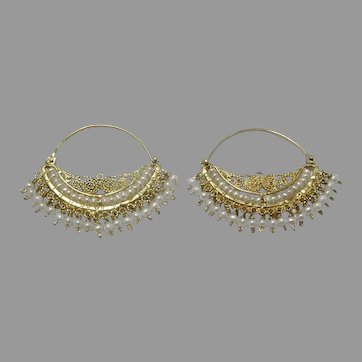 Signature 18 karat Gold Handmade Hoop Earrings with Pearls