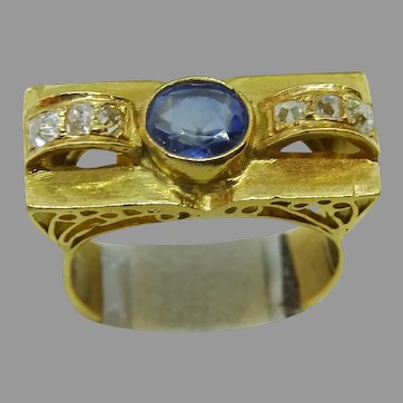 Art Deco Gold Sapphire and Diamond Ring