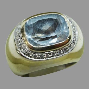 Vintage H. Stern Aquamarine and Diamond 18 karat Gold Ring