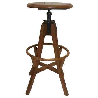 Stool with Adjustable Seat