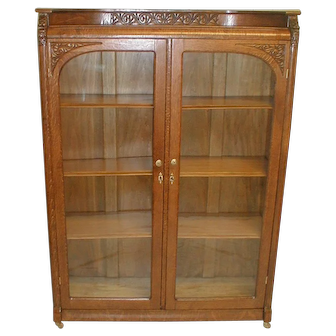Oak Victorian Bookcase with Double Doors