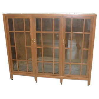 Oak Bookcase  Arts & Crafts with 3 Doors