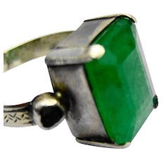 Beautiful Art Nouveau 18ct white gold natural emerald and diamond ring