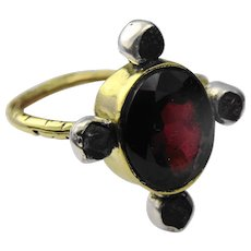 Gorgeous antique garnet and diamond 15ct gold ring