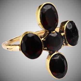 Stunning 15ct garnet ring