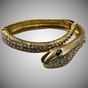 Snake bangle set with crystal and garnet