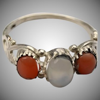 Vintage silver coral and moonstone ring