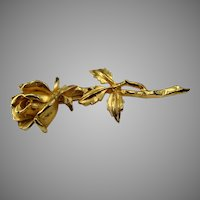Stunning 1950s gold toned rose brooch