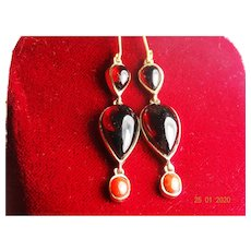 Gorgeous vintage garnet and coral drop earrings