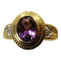 Beautiful amethyst and diamond vintage ring