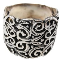 Beautiful sterling silver vintage ring