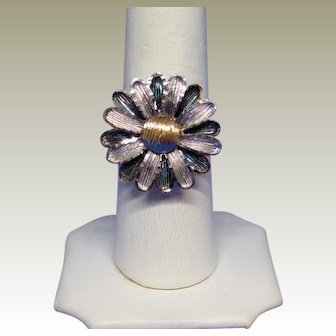 Vintage Daisy Ring Ever !! Sterling and 10k yellow gold.