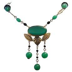 1920's ART DECO / Art Nouveau Captivating Jade Glass Necklace