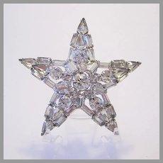 1960's SPARKLING Dimensional Rhinestone STAR Pin