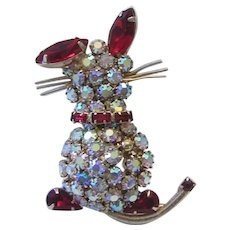 WEISS Rarely Seen RHINESTONE Studded Shimmering KITTY CAT Figural Pin / Brooch