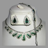 1960's EMERALD Green & Diamond Like RHINESTONES Necklace Bracelet & Earrings PARURE