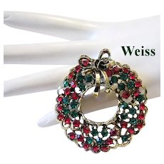 WEISS Book Piece Red & Green Rhinestone STUDDED Rare CHRISTMAS Wreath Pin With Dimensional BOW