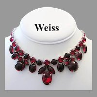 WEISS Ravishing Red GLASS & Rhinestones CAPTIVATING Necklace