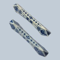 Pair of Meissen Blue Onion Knife Rests