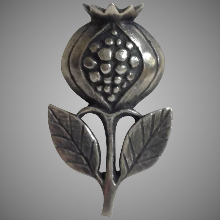 4d97e3a02e7 James Avery Pomegranate Brooch Retired Sterling : Antiques Of River Oaks |  Ruby Lane