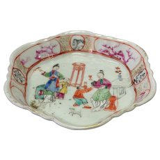 Small Chinese Export Figural Dish