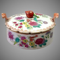 Chinese Export Butter Dish Strawberry Finial 18th c.
