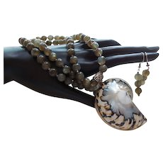 Natural Shell and Labradorite  Necklace with Earrings