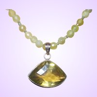 Hand Strung New Jade/Serpentine Necklace With Pendant