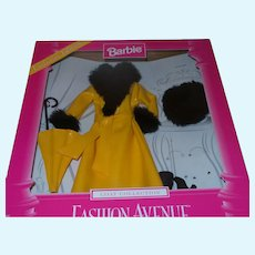 Barbie Fashion Avenue Exclusive Edition Coat Collection Yellow Raincoat NRFB
