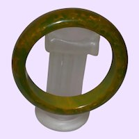 Art Deco Jade Hued Green Gold Bakelite Bangle