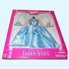 Barbie Deluxe Fashion Avenue Outfit NRFB