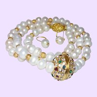 32 Inch Cultured Pearl Necklace With Crystal Pendant