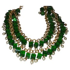 Vintage Holiday Green Glass Necklace with Faux Pearls
