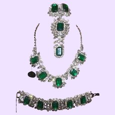 D&E JULIANA Simulated Flawed Emerald Glass Rhinestone Set