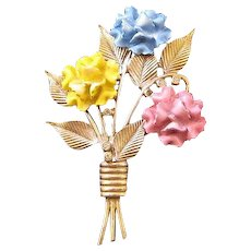 Goldtone Enameled Pastel Carnation Bouquet Pin