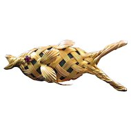 Goldtone Woven Wire Fish Pin